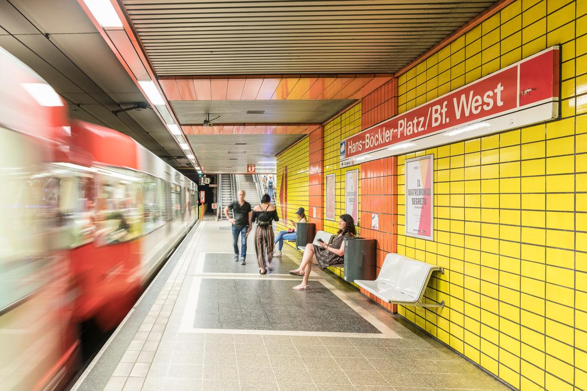 KVB_Hans-Bo¦êckler-Platz_8830